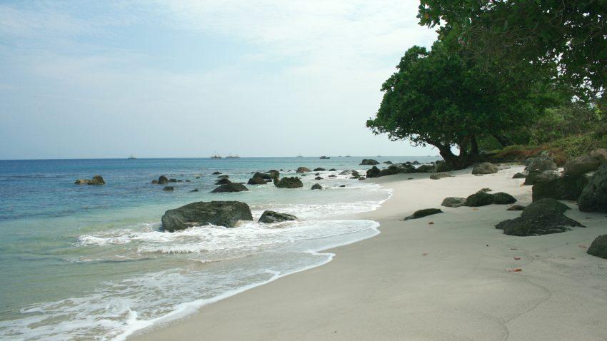 Paket Wisata Tanjung Lesung 1 Hari