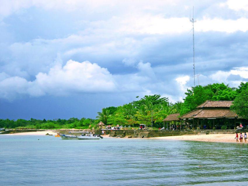 Wisata Tanjung Lesung Beach