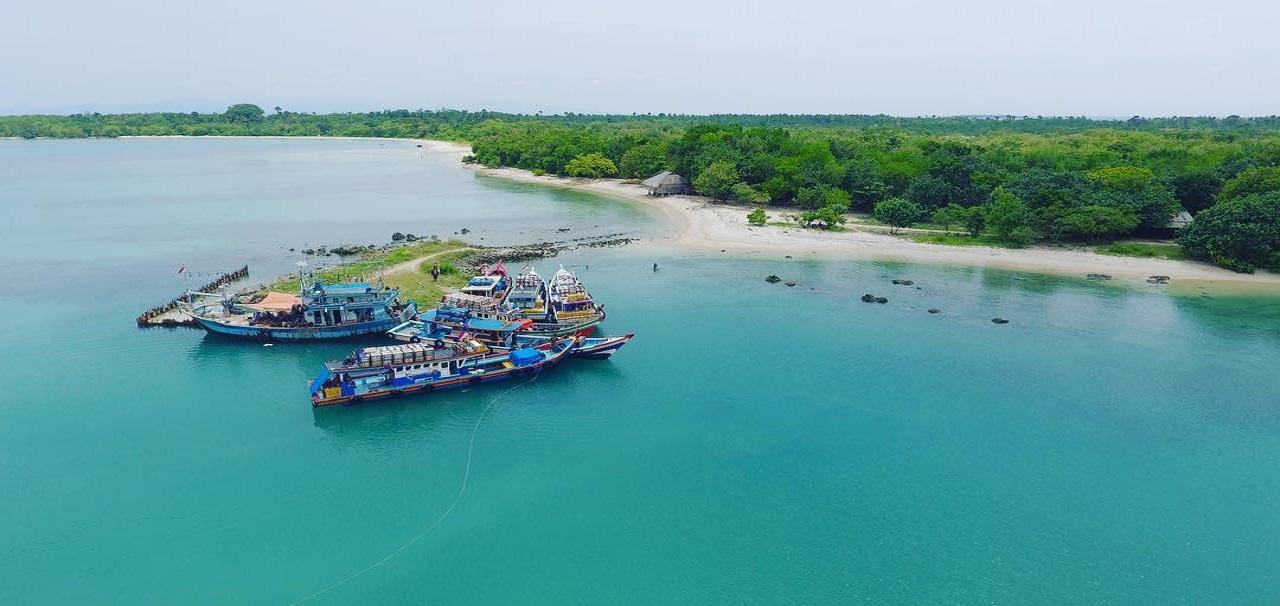 Wisata di Tanjung Lesung Banten